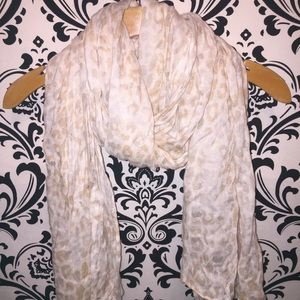 Express leopard print scarf cream and gold